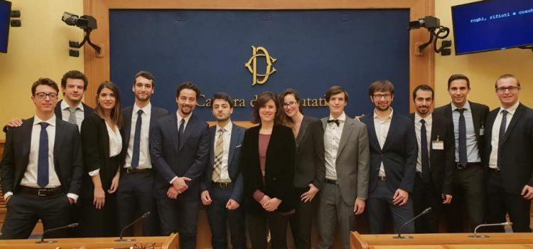 ROGHI, RIFIUTI E COSCHE, la video inchiesta degli studenti dello Iulm di Milano presentata alla Camera