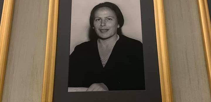 """NILDE IOTTI: """"Dalla parte delle donne, tenacemente impegnata a costruire una società più libera e giusta per tutti""""."""