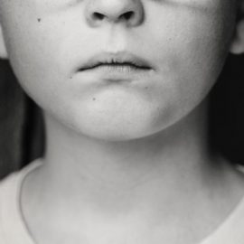 """FEMMINICIDIO: """"Sostegno concreto agli orfani delle vittime"""""""